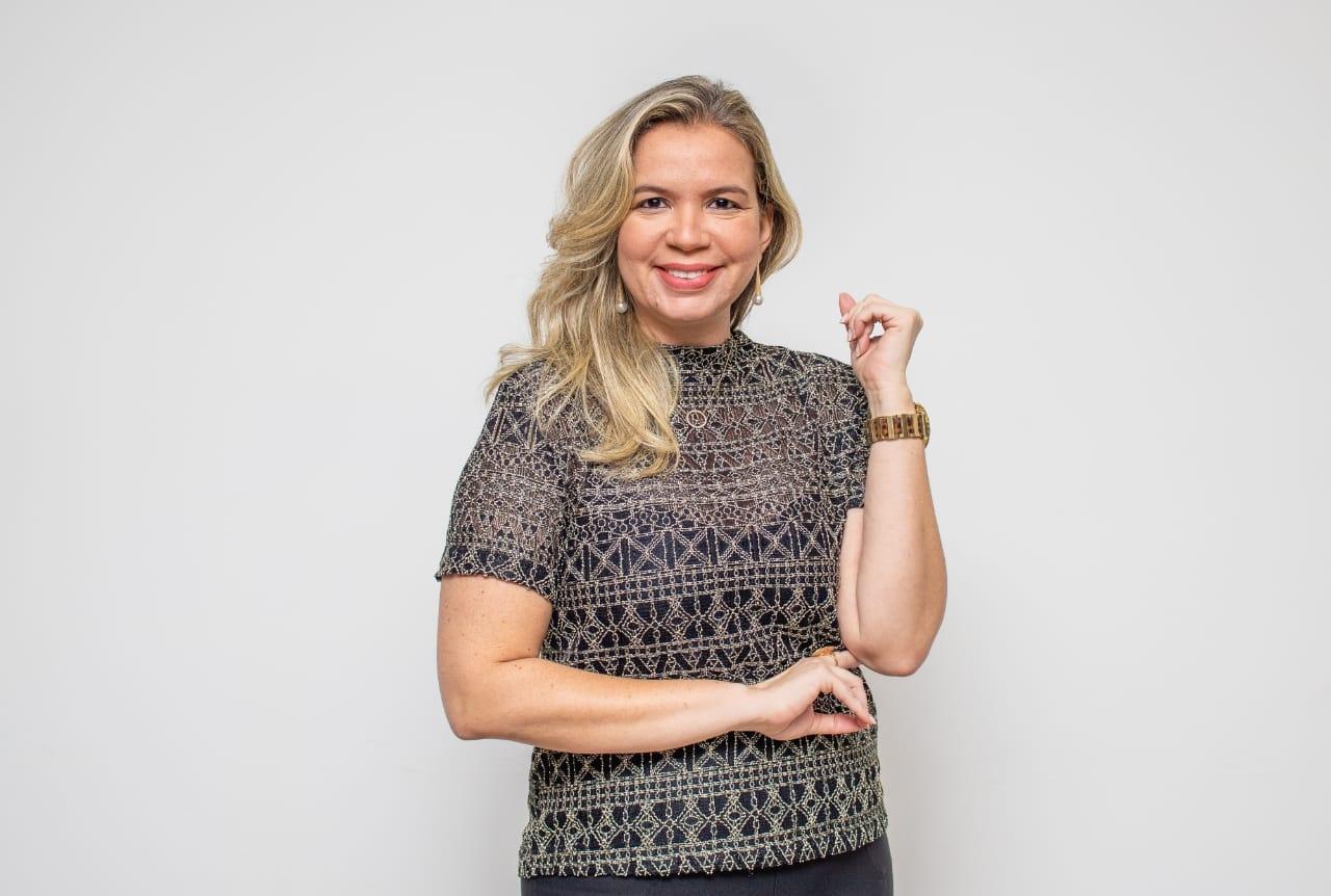 Flávia Cristina Oliveira Félix